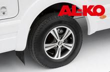 Bezpieczeństwo i dynamikę jazdy zapewnia szerokie, niskie podwozie firmy AL-KO