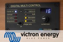Victron Energy Digital MultiControl z pulpitem sterowania umieszczonym nad drzwiami do saloniku (opcjonalnie)